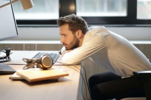 postura corretta pc smart working consigli