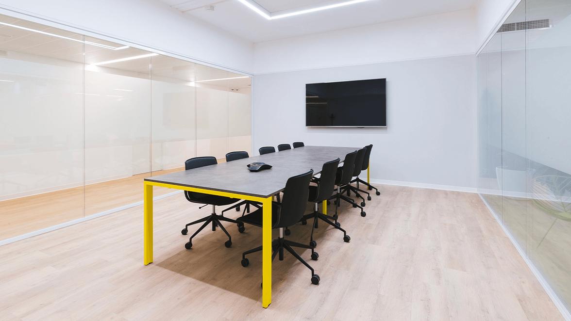 sala riunioni per meeting ibrido assago