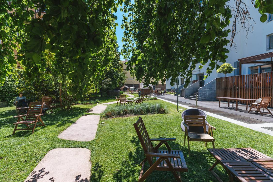 giardino centrale vuoto garden