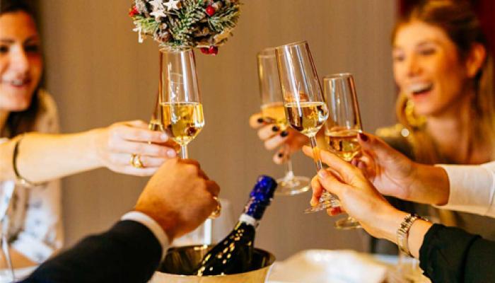 Le 5 idee per organizzare la festa aziendale di Natale perfetta